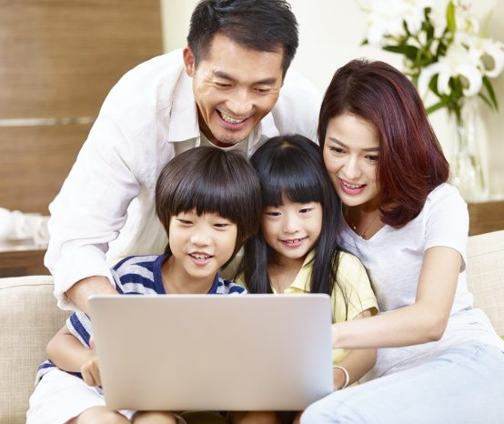 The Family Internet Checklist: Keeping Your Kids' Screen Habits Safe & Healthy